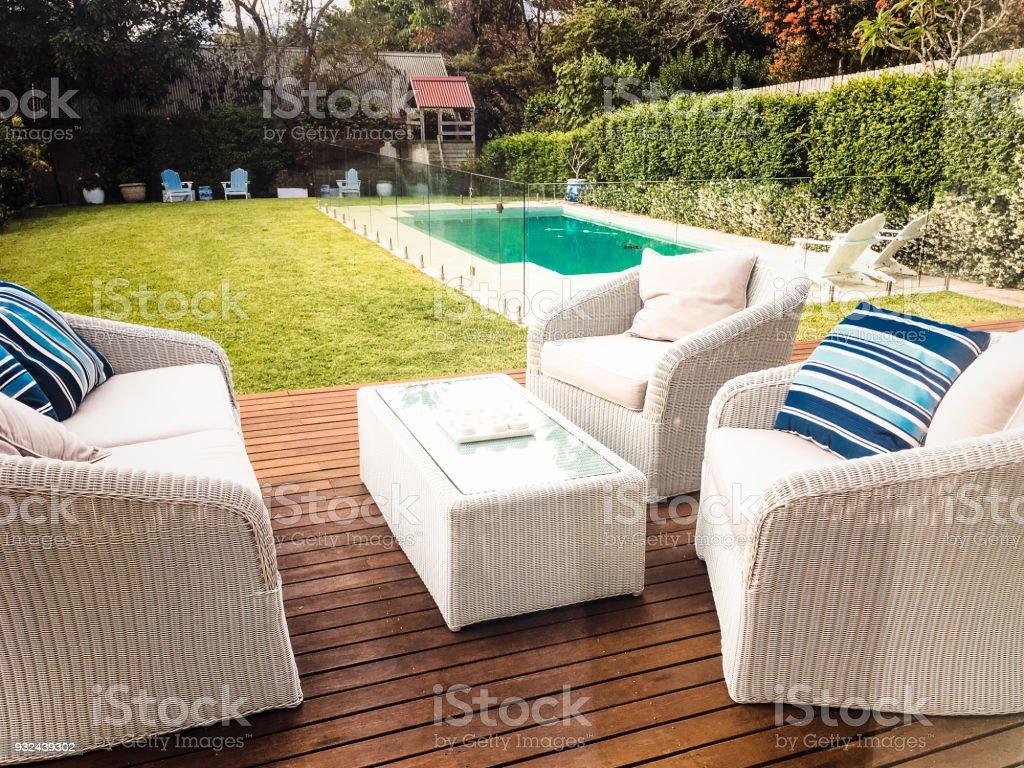 Hinterhof ein Luxus-Haus mit pool – Foto