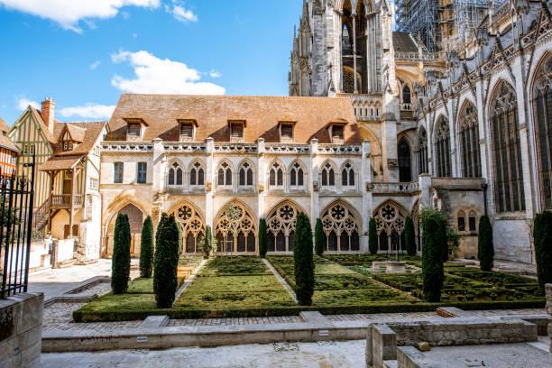 Hinterhof der Kathedrale von Rouen – Foto