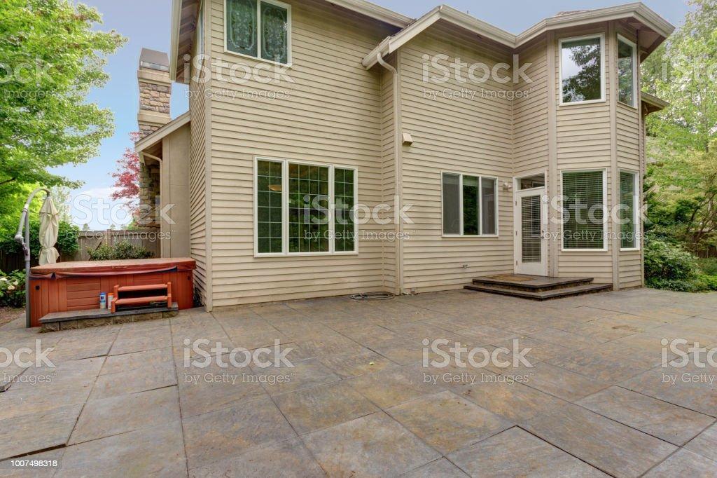 Vista Del Patio Trasero De Una Casa De Lujo Con Terraza Foto