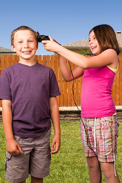 schlechte haarschnitt - cut wrong hair stock-fotos und bilder