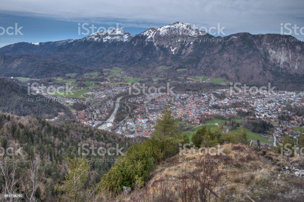 Bad Reichenhall als von den Dötzenkopf, Bayern-Deutschland gesehen. Zwiesel und Staufen im Hintergrund – Foto