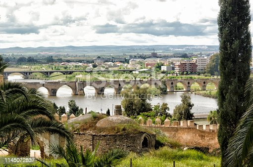 Badajoz is a city in Extremadura (Spain) that was born on the hill Cabezo de La Muela around the year 875. All these photographs that were taken on April 19, 2019 make a tour of the historic center, contemplating the Mudéjares Houses, the Houses Coloradas and the Alcazaba (all in the high square). From there to the convent of the Adoratrices and a short walk through the plazuela de la Soledad to see the Giralda and the Cathedral of San Juan Bautista.