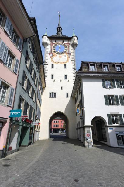 baden mit mittelalterlichem stadtturm - wiedenmeier baden stock-fotos und bilder