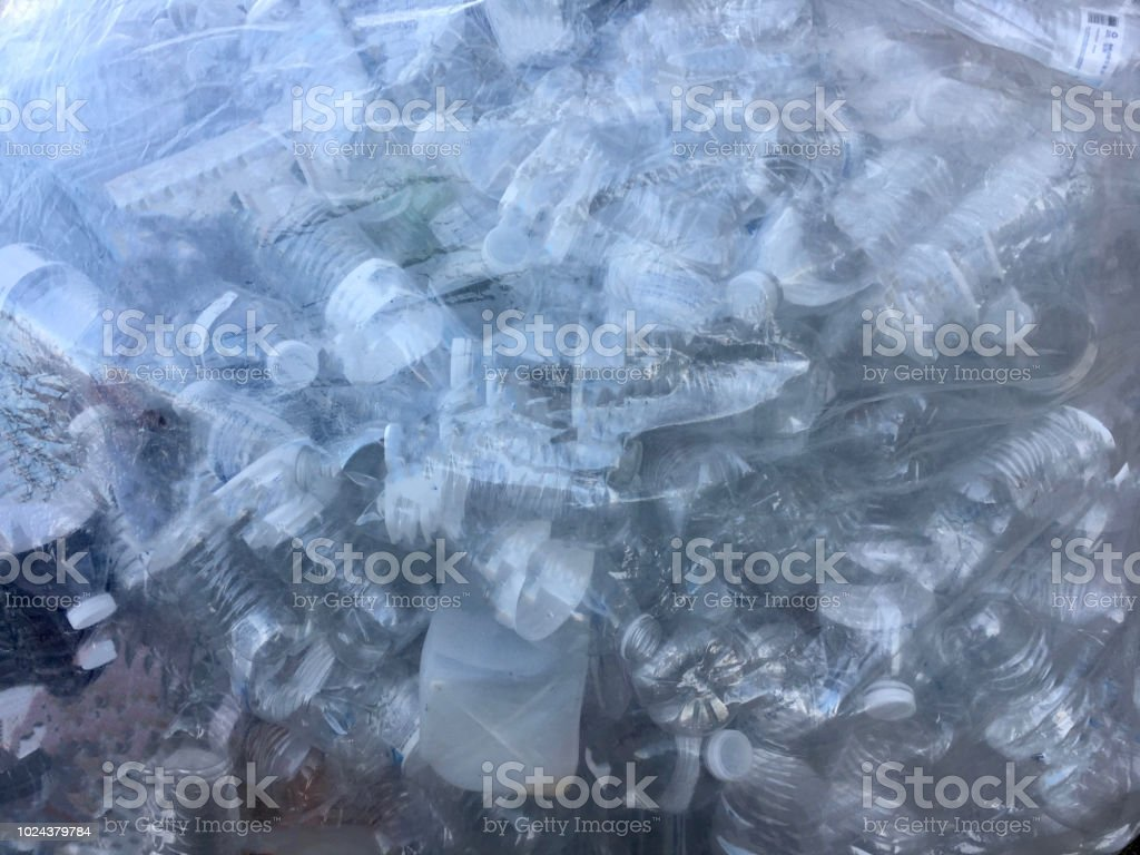 Bag of recyclable plastic bottles - 2 - fotografia de stock