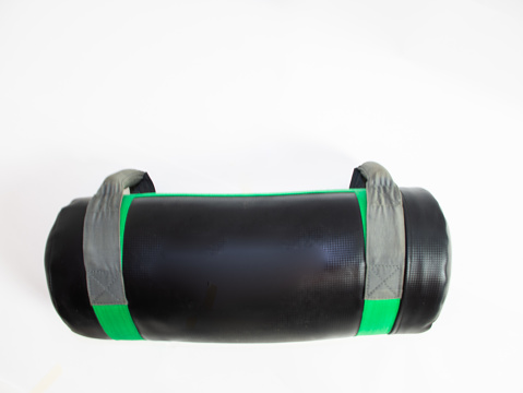 Bag to perform functional exercises, in black and green