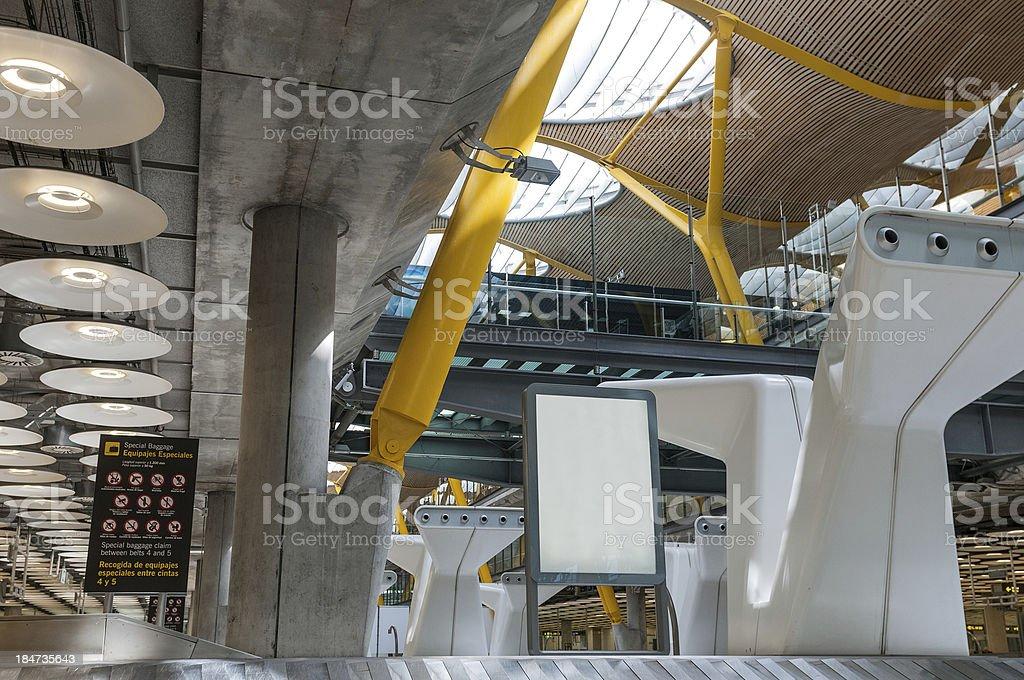 La zone de récupération des bagages de Barajas - Photo