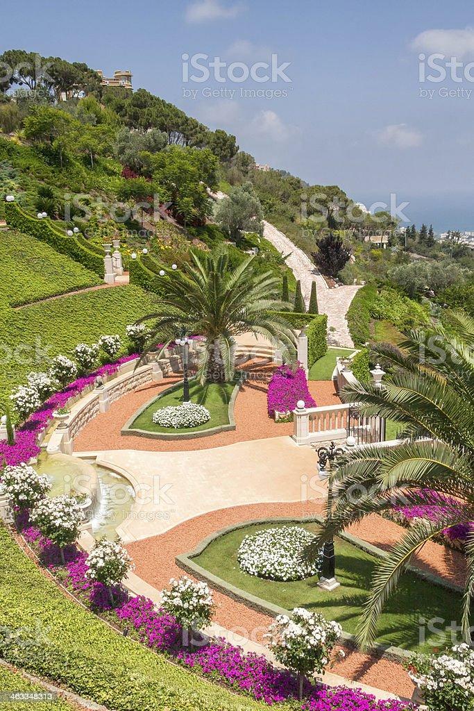 Photo libre de droit de Bahai Terrasses Sur Jardin Fleuri ...