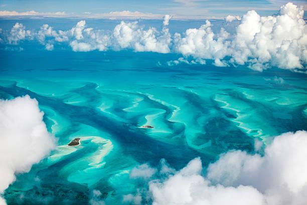 bahamas veduta aerea - bahamas foto e immagini stock