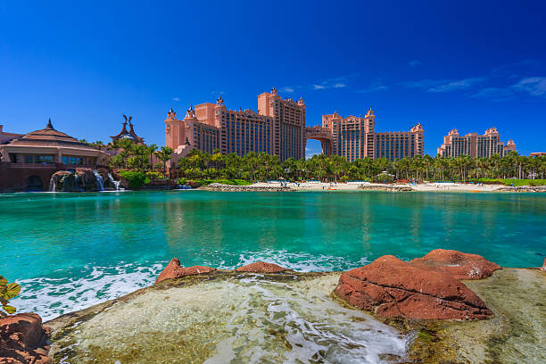 bahamas pier - nassau new providence stockfoto's en -beelden