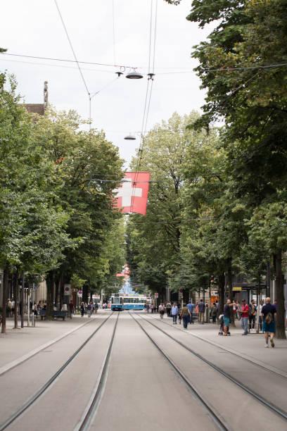 bahnhofstrasse in zürich - zurigo foto e immagini stock