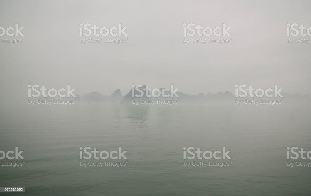 Baie d'Along - Photo