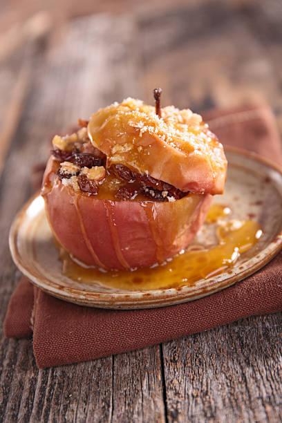 bratapfel - bratäpfel stock-fotos und bilder