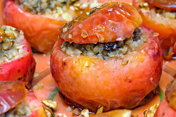 Baked apples filled with buckwheat porridge – Foto