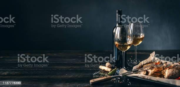 구운 생선 감자 요리에 대한 스톡 사진 및 기타 이미지