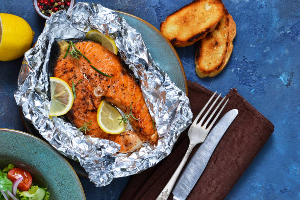 baked salmon in tin foil with lemons
