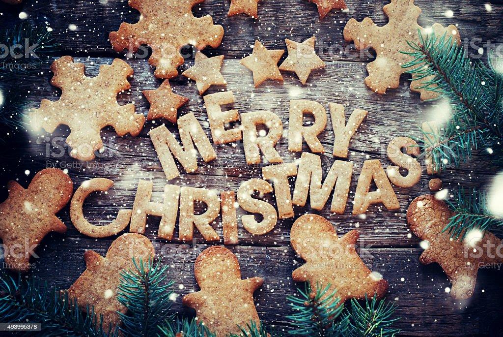 구은 편지들이 메리 크리스마스. 그림 진저브레드 쿠키 스톡 사진