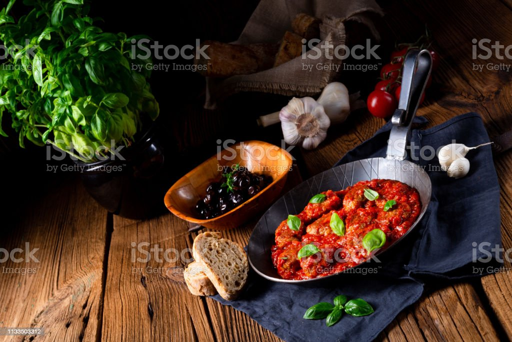 albondigas al horno con salsa de tomate