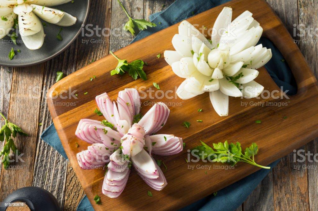 Fleur De Lotus Au Four Oignon Organique Photos Et Plus D Images De