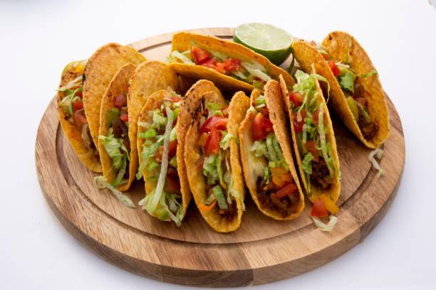 bakad ugn nötkött taco bildbanksfoto