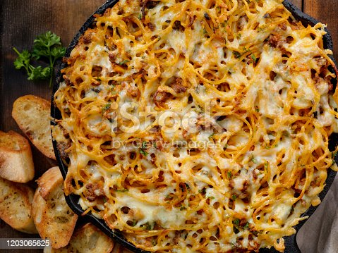 Baked Spaghetti and Beef Pie
