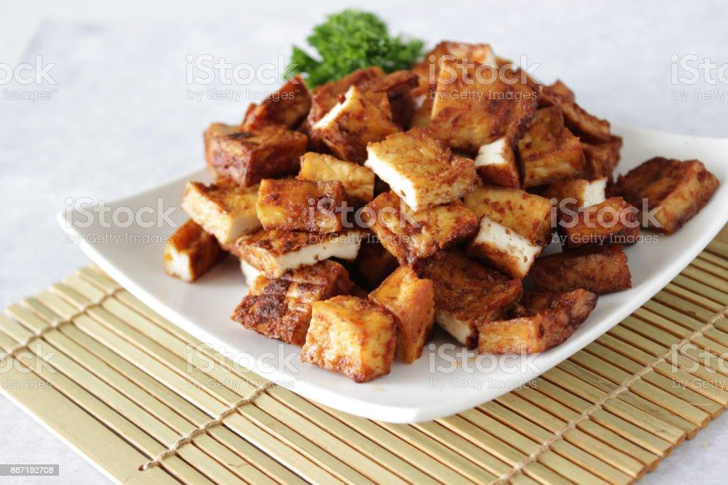 Tofu al forno - Foto stock royalty-free di Alimentazione sana