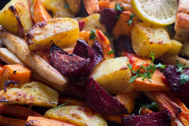 baked vegegetables roots macro - warzywo korzeniowe zdjęcia i obrazy z banku zdjęć
