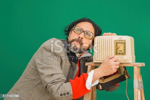 istock Bakelite Radio Dumb 517152295