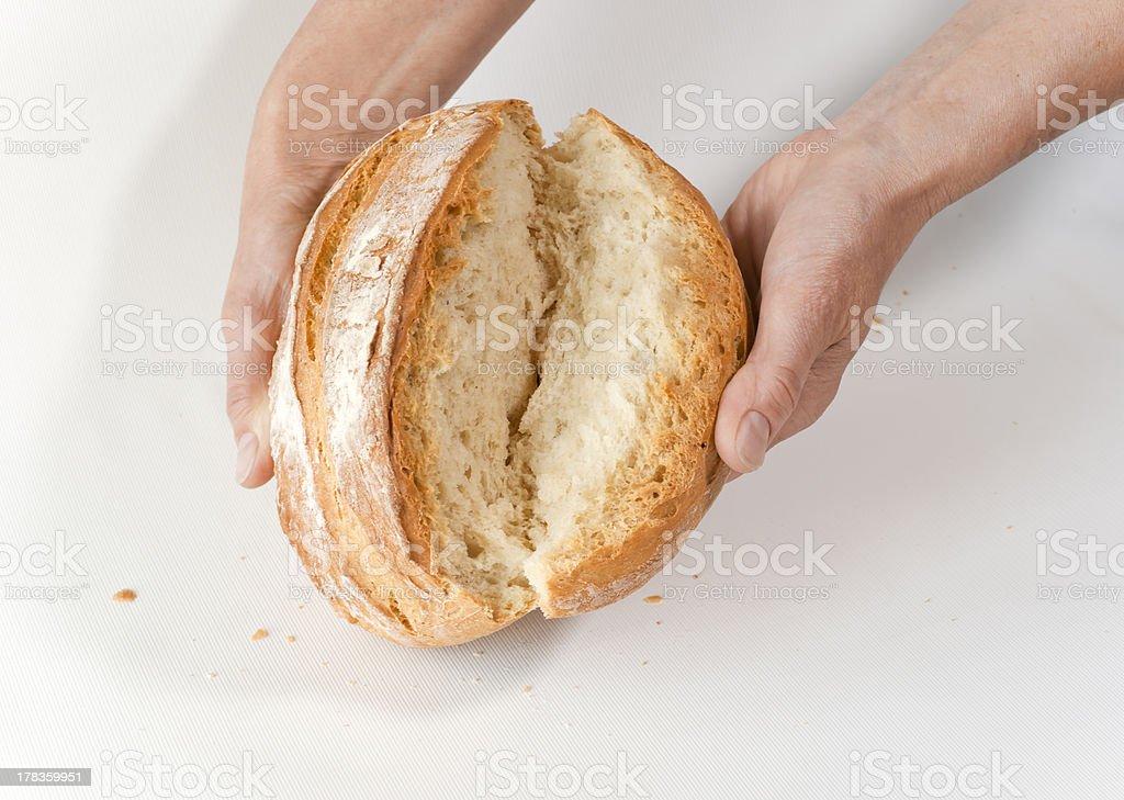 Baker's hands aufstellen Weißbrot – Foto
