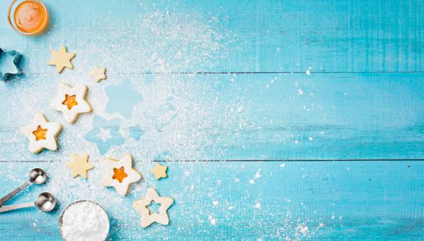 aprikosenkonfitüre linzer kekse backen - backrahmen stock-fotos und bilder