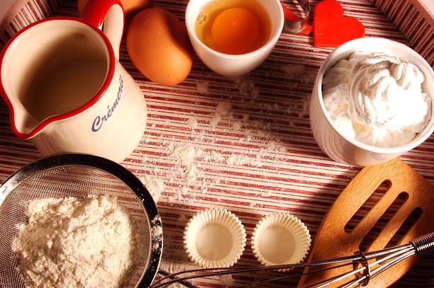 backen cookies - waffelbecherkuchen stock-fotos und bilder