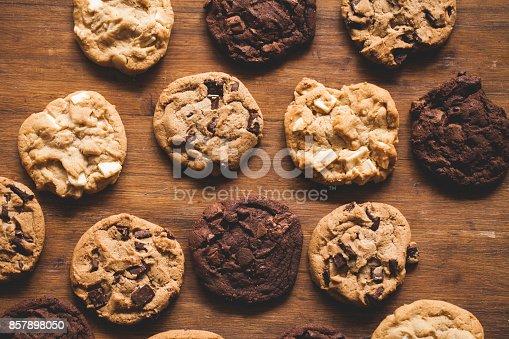 istock Baking cookies 857898050