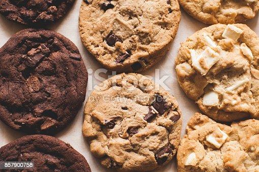 istock Baking cookies 857900758