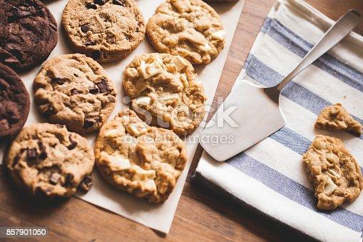 istock Baking cookies 857901050
