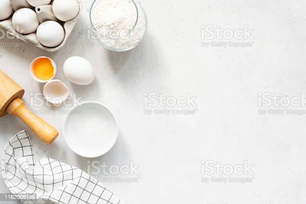 Baking cooking ingredients on concrete background picture id1162008146?b=1&k=6&m=1162008146&s=612x612&h=sbbao8ggxbn0kwyuddben3jg9f yc6a4pbr0bawlrb4=