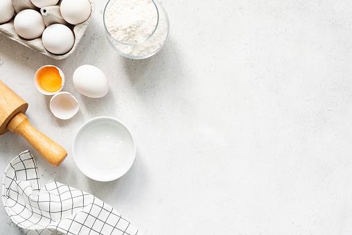 Beton Arka Planda Pişirme Malzemeleri Pişirme Stok Fotoğraflar & Ahşap'nin Daha Fazla Resimleri