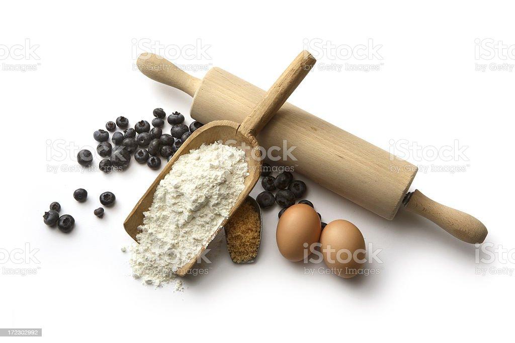 Hornear ingredientes: Pastel de arándano (harina, huevos, arándanos y azúcar - foto de stock