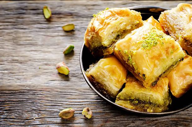 baklava avec pistachio. délices turcs traditionnels - Photo