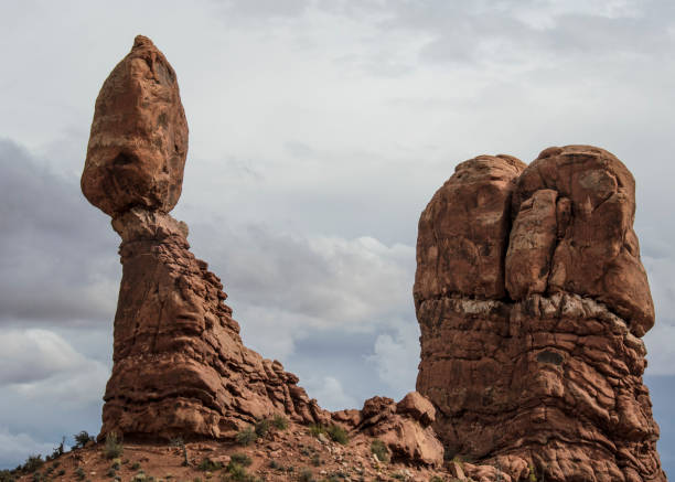 balanced rock - rock formations stock pictures, royalty-free photos & images