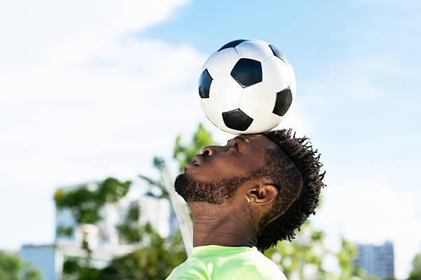 Balancing soccer ball picture id515547581?b=1&k=6&m=515547581&s=612x612&w=0&h=kc7xj49h1ytgnv4xlcw9qsgkjtsatoi0srgui453vdc=