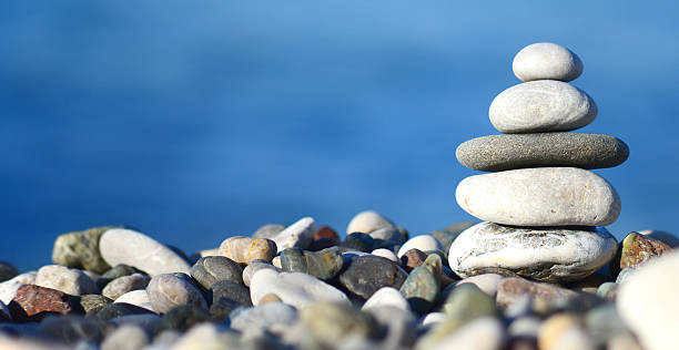 balancing stone tower - Photo