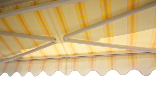 fallarmmarkise - outdoor sonnenschutz stock-fotos und bilder
