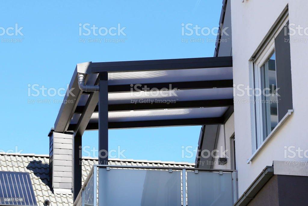 Toldo De Balcón Toldo De Terraza Foto De Stock Y Más Banco
