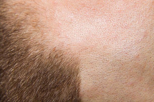 xxxl baldness in männer - glatze schneiden stock-fotos und bilder