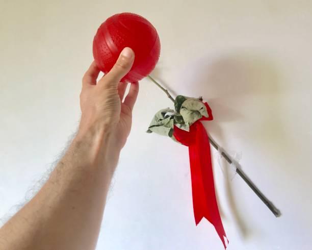 ballblume, eine auszeichnung für wm-fußballer - geburtstagsgeschenke für beste freundin stock-fotos und bilder