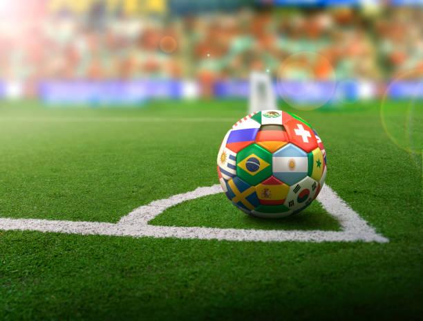 bal in de hoek - internationaal voetbalevenement stockfoto's en -beelden