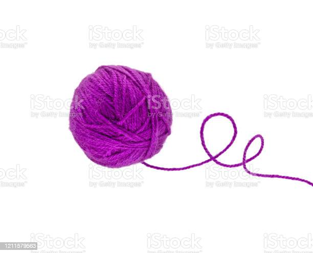 Ball of yarn isolated on white picture id1211579563?b=1&k=6&m=1211579563&s=612x612&h=aru8ecgbkhsacq1pjpz b44k0abv5b6fx9 fxv7lk1u=
