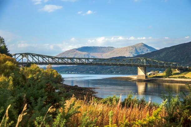 ballachulish brücke. lochaber, highland, schottland, vereinigtes königreich - see loch leven stock-fotos und bilder