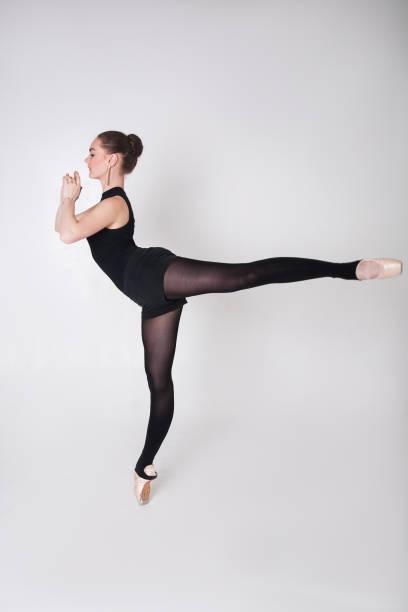 ballerina tanz coaching position - typisch 90er stock-fotos und bilder