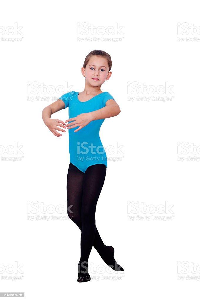Ballerine fille de 6 ans. Postes dans la danse. - Photo