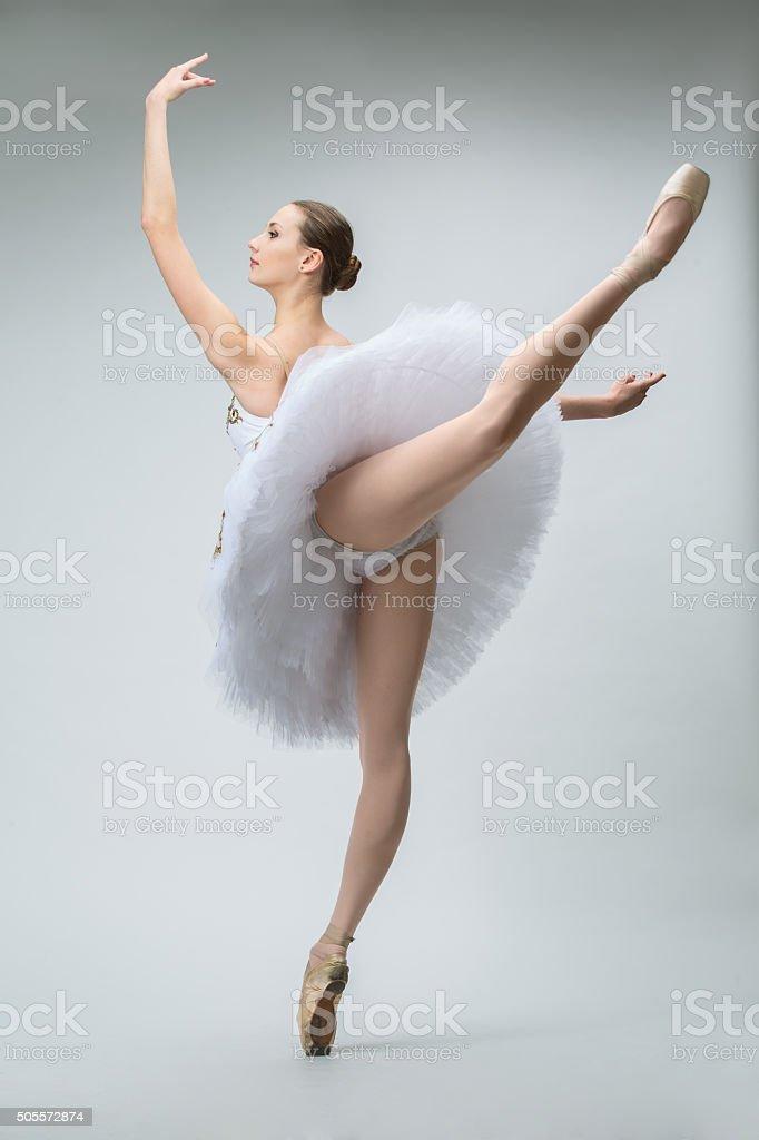Ballerina in studio - foto stock